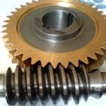 Червячное колесо с бронзовым венцом и червяк